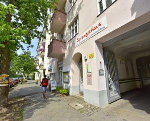 Foto Eingang des Sprengelhaus